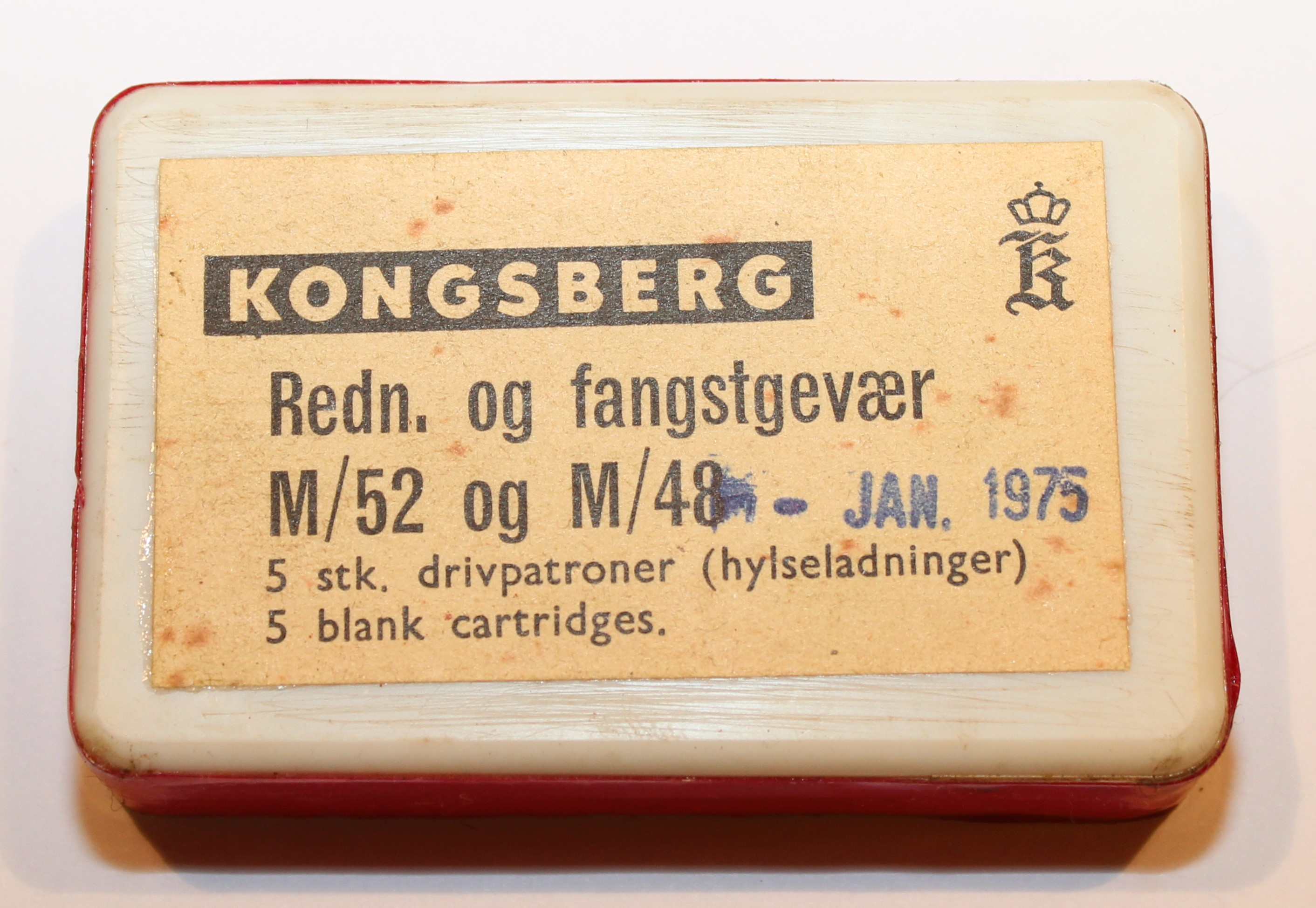 ./ammo/fangstredning/esker/Eske-12mm-Drivpatron-5skudd-JAN-1975-rod-tape-1.JPG